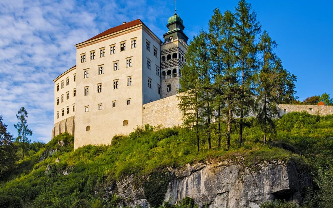 Pieskowa Skala castle – a jewel within the Ojcowski National Park