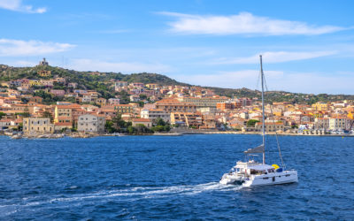 Who wants to sail around La Maddalena?