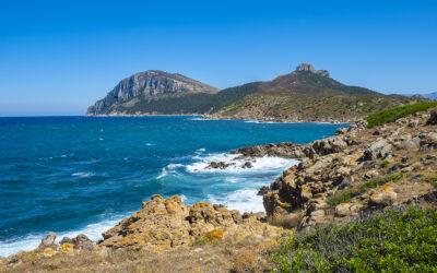 Wandering along hot Sardinian rocky shore around Golfo Aranci!